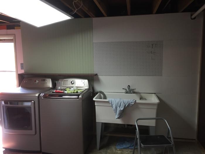 Laundry wall11